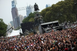 crowd-made-in-america-festival-gets-off-to-a-rocking-start